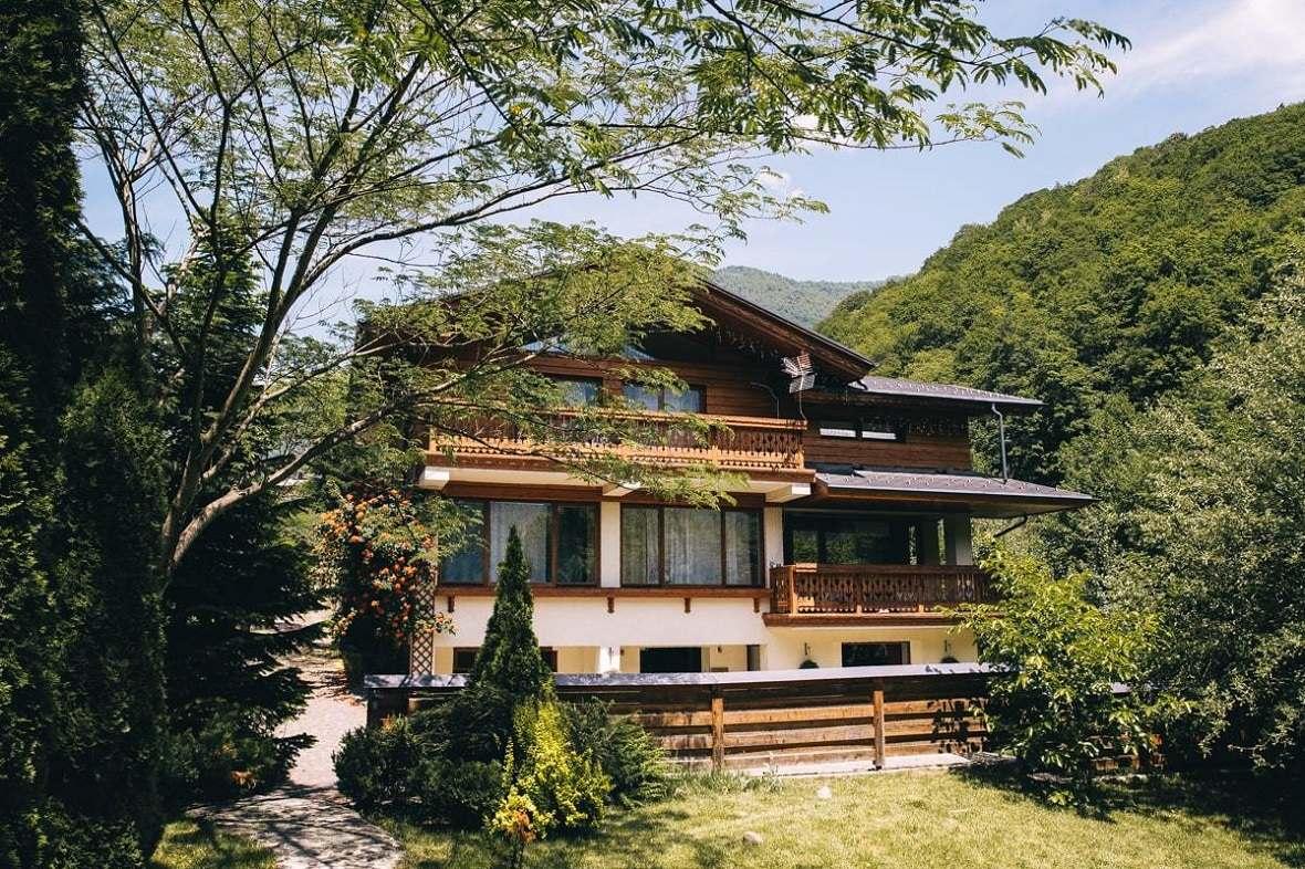 Продажа гостиничного бизнеса в европе внж в черногории при покупке недвидимости